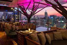 Ресторан и руфтоп-бар Above Eleven: ужин под звездами Бангкока